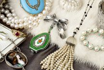 Vintage Jewellery & Accessories / A selection of Vintage Jewellery & Accessories taken from the auction taking place Monday 8th June