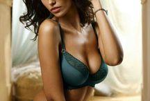 *bikini & lingere modeling