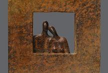Bronzen sculpturen / Bronzen sculpturen van kunstenaar Ragonda IJtsma. Thema beelden: liefde, huwelijk, relatie  #kunst #brons #sculpturen #beelden #liefde #huwelijk #echtpaar #huwelijk #trouwdag #huwelijkscadeau