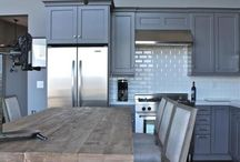 Kitchen / by Kenlyn Hughson