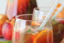 Drinks / by Gretchen Schroeder