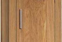 Aanbiedingen kleinmeubelen / Kleinmeubelen zorgen voor sfeer in uw interieur. Wij hebben een uitgebreid assortiment kleinmeubelen van een cdmeubel tot een plantentafel en een barmeubel. Bij Ulvenhout Wooncenter vindt u diverse aanbiedingen in kleinmeubelen.