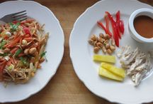 Family dinners for picky eaters / Deconstructed meals for family dinners. Easy | plain | picky eaters | toddlers | dinners.