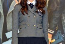 schoolgirlish