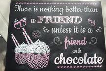 """Amico è bello...Amico è tutto! / """"Renato Zero - Amico"""" -  L'amicizia è decisamente una declinazione diversa dell'amore e merita la stessa rilevanza! Molto spesso ai nostri migliori amici, come ai nostri partner, arriviamo ad aver regalato """"praticamente tutto""""! Ecco la soluzione! Regala una #lavagnettapersonalizzata di lavagnettiamo!"""