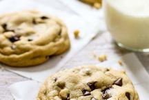 Çikolata parçalı kurabiyeler