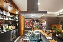 Arte em Coifa e Exaustão para sua cozinha / A Tuboar é uma empresa fabricante de coifas de cozinha residenciais e industriais, conciliando um design arrojado com motores de alta performance.