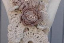 Yarn - Neck Warmers & Scarfs / by Maribel Mendoza