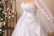 Magyar motívumok - mennyasszonyi ruhák