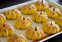 Thanksgiving Unique Food Ideas / Thanksgiving Recipes for Unique Thanksgiving Side Dishes, Yummy Turkey Recipes, and Beautiful Thanksgiving Desserts.