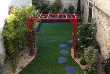 jardin pergola rouge bordeaux