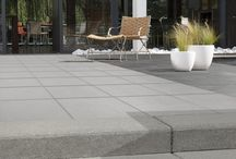 Tuininspiratie Design / In de designtuin viert vormgeving hoogtij. De sobere, ingetogen plantenkeuze ondersteunt dit. Strakke, bewust gekozen lijnen en bijzondere vlakverdelingen zorgen voor een minimalistische uitstraling.