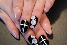 For the love of NAILS.  / The prettiest way to accessorize your fingers!