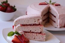 Best Strawberry Recipes / Calling all strawberry lovers! Here are the best strawberry recipes you absolutely need to know!