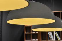 Koepellampen / Koepellamp van beton, natuurlijke materialen en de moderne koepellamp van acrylaat.  Oneindige mogelijkheden qua kleur doordat de koepellampen in iedere gewenste RAL kleur uitgevoerd kunnen worden.   Daarbij de keuze voor een gladde of grove buitenzijde en de matte of hoogglans afwerking aan de buitenkant.   De exclusieve uitstraling van de koepellamp kan ook worden versterkt door de met de hand ingelegde bladgoud, bladzilver of bladkoperen binnenkant van de koepel hanglamp.