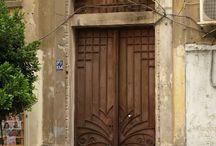 Opening doors / Architectural door designs and details