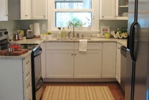 """U-shaped Kitchen Remodel / Free my 1908 bungalow from the misguided 90s oak and laminate """"kitchen""""! These are ideas for a U-shaped kitchen remodel on a budget."""