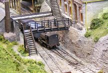 Model Train Sets Layouts