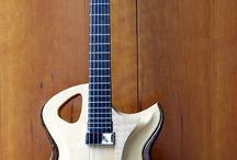 Kuun guitars