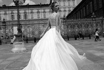 Nicole Spose / Rivendiamo abiti di Nicole Spose, creazioni fresche e giovani che non tralasciano qualità e impronta sartoriale.  #wedding #weddingdress #sposa #abitidasposa