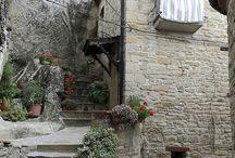 Talot / Beautiful houses