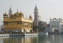 Travel, India, Amritsar,Gouden tempel / De Gouden Tempel is het belangrijkste heiligdom voor de Sikhs. Er hangt een zeer serene sfeer en iedereen is hier erg vriendelijk.