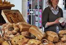 Creative Bread Stands / Att Creativity Hub