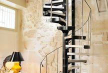 Escalier helicoidal escamotable rétractable