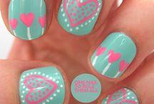 V's nails