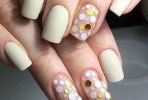 nail-dot