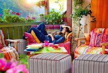 Pufy i fotele na lato / Sezon letni to szczególny okres - spędzamy wówczas dużo czasu na zewnątrz. Wiele puf i foteli nadaje się do uzytku na zewnątrz