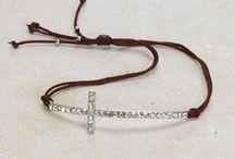 Jewelry to make / by Lisa Ritchie Purkey