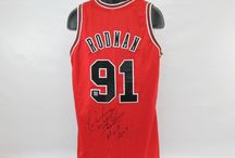 Chicago Bulls Memorabilia / Chicago Bulls Memorabilia by UltimateAutographs.com