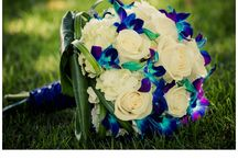 Wedding Flowers / From bouquets to boutonnieres, this is the board for all of those beautiful and fresh ideas for your dream wedding!