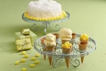 I love desserts tables!
