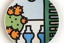 I PIATTI in maiolica / Piatti artigianali in maiolica decorati con decalcomania digitale. Prodotto 100% Made in Italy. Soggetto a scelta tra le collezioni PIT-POP.