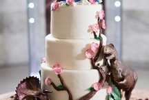 Themed cakes/cupcakes  / by Kristen Pelura