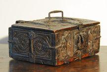 Шкатулки и чемоданы / Декор шкатулок и чемоданов