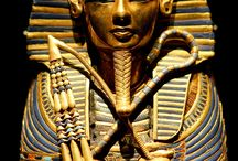 Ancient Egypt / From hieroglyphics to pyramids.