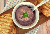 Hummus Χούμους / by The Veggie Sisters - Vegetarian and Vegan recipes