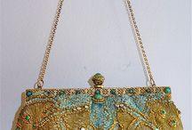 Fashion: Purses & Handbags