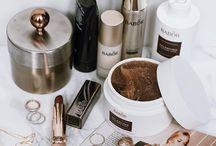 Minimalist Make-Up & Skincare