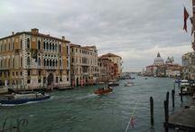 Venise / Venise, mythique, romantique, charmeuse, la cité est l'endroit rêvé pour un week-end en couple, entre amis ou en famille. un train de nuit pour profiter pleinement de son week-end ou un tout petit peu plus d'une heure de vol depuis Paris, c'est l'une des villes au monde où l'on peut y retourner dix fois sans se lasser...