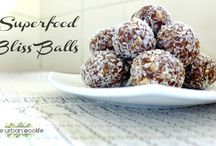 Bliss Balls / Recipes
