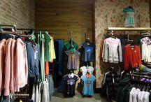 Ladeneinrichtung / Retail Kleiderständer für den Ladenbau aus Rohren und Rohrverbindern
