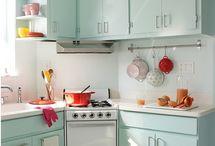 Kök / Ska måla om luckorna i mitt kök. Letar efter den perfekta mintgröna färgen!