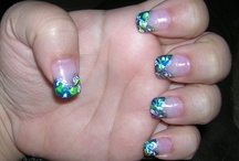 nails- my new girlie thing / by Claire Sextience