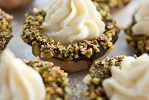 Desserts / by Elise Santos