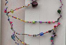 Perlen und Draht