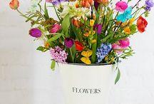 flowers felirat vödrön